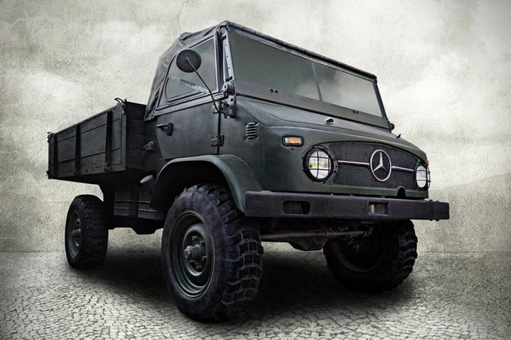 mercedes truck that looks like a jeep