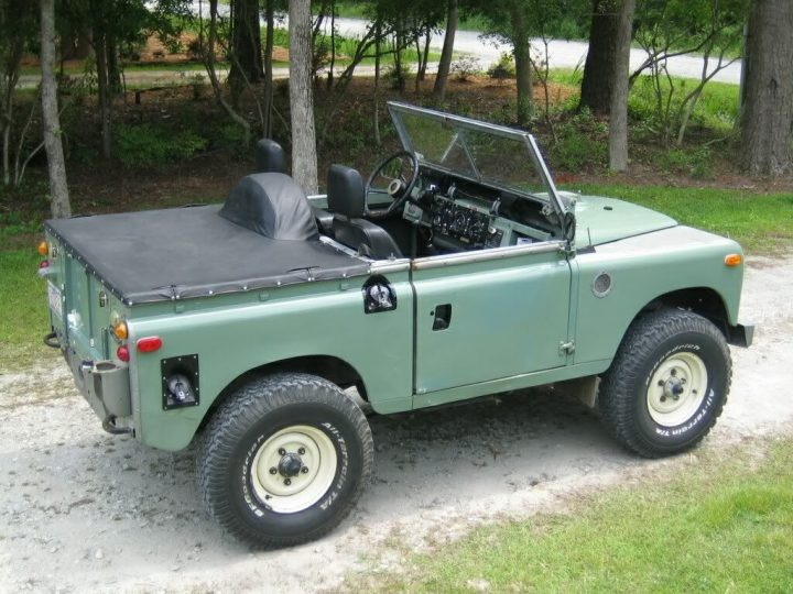 Land rover that look like a Jeep