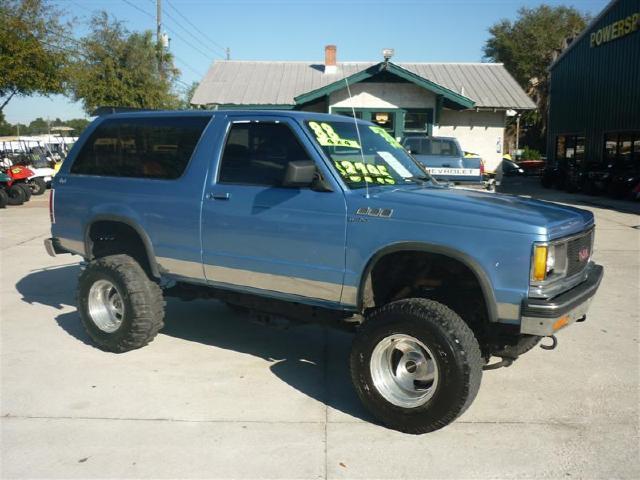 ford blazer that looks like a Jeep