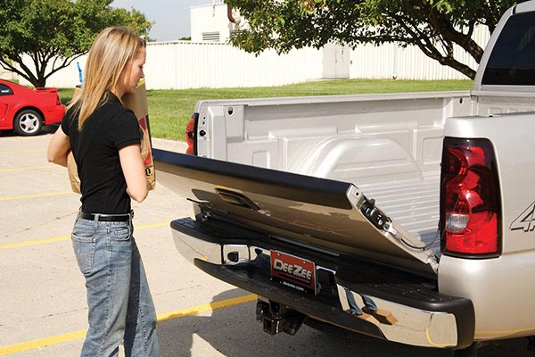 how much does a tailgate weigh, How Much Does A Tailgate Weigh? How Much Weight Can A Tailgate Hold?
